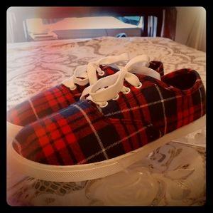 NWT Plaid Crochet Plimsoll Sneakers